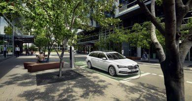Slovenija nima težav z razvitostjo infrastrukture polnjenja električnih avtomobilov