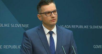 """Twitter odzivi na padec Šarčeve vlade: """"Le redko kdo omeni očitno – @sarecmarjan ima nova očala"""""""